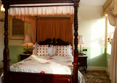 Room 12 Second Floor Seaview - Four Poster Bed